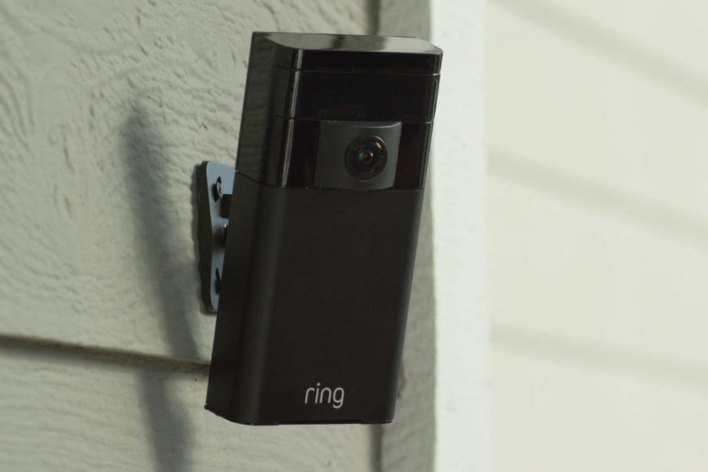 copertina telecamere wifi