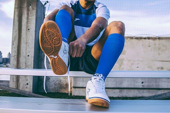 scarpa calcio a 5 copertina